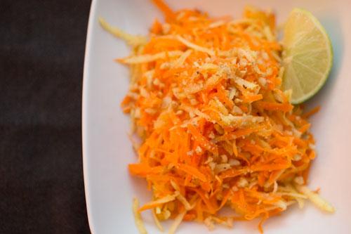 Салат с морковью, яблоками и хреном (без масла)