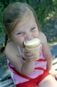 Сладкая польза. Зачем есть мороженое?